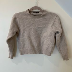 Uniqlo Beige Cropped Wool Sweater Size Small